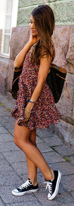 Tenue été avec robe fleurie