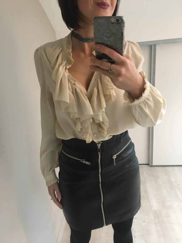 tenue de fête mini-jupe cuir