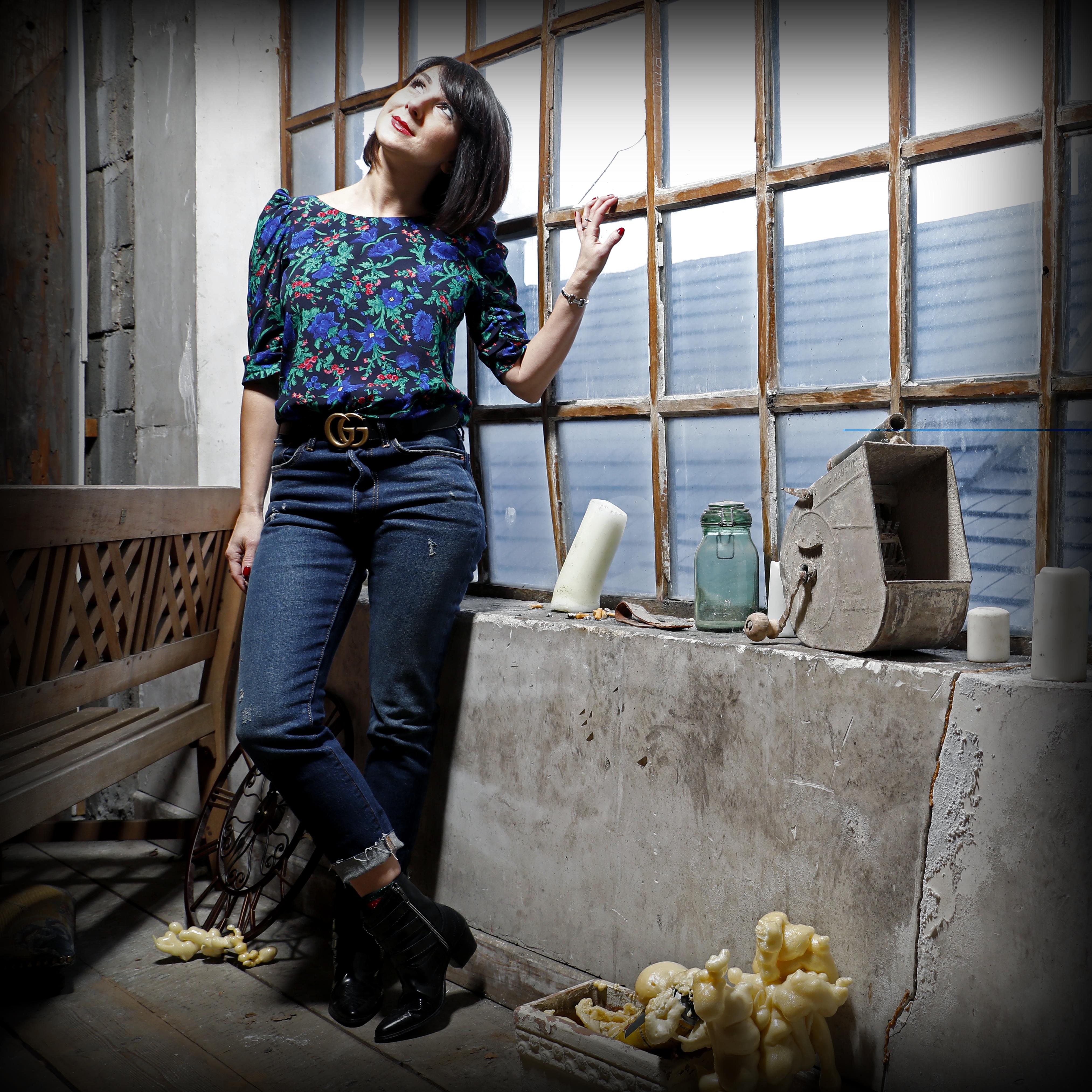 Chemise Tara Jarmon, Levi's 501 skinny, Boots The Kooples, ceinture Gucci