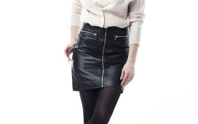 Comment porter la mini-jupe